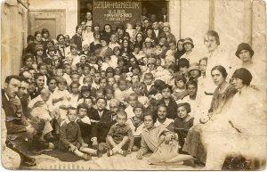 1928 Ziua mamelor